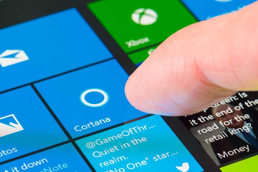 Windows10_iStock_ymgerman_900